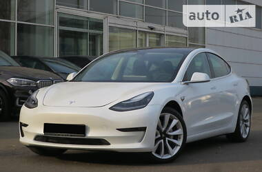 Tesla Model 3 Dual Motor Long Range 2019 в Киеве