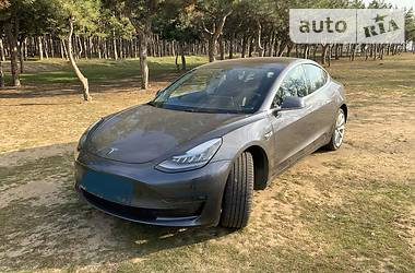 Tesla Model 3 Long Range 2018 в Запорожье