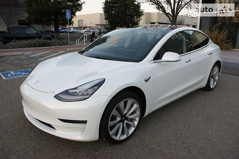 Tesla Model 3 2017 года в Одессе