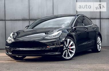 Седан Tesla Model 3 2019 в Києві