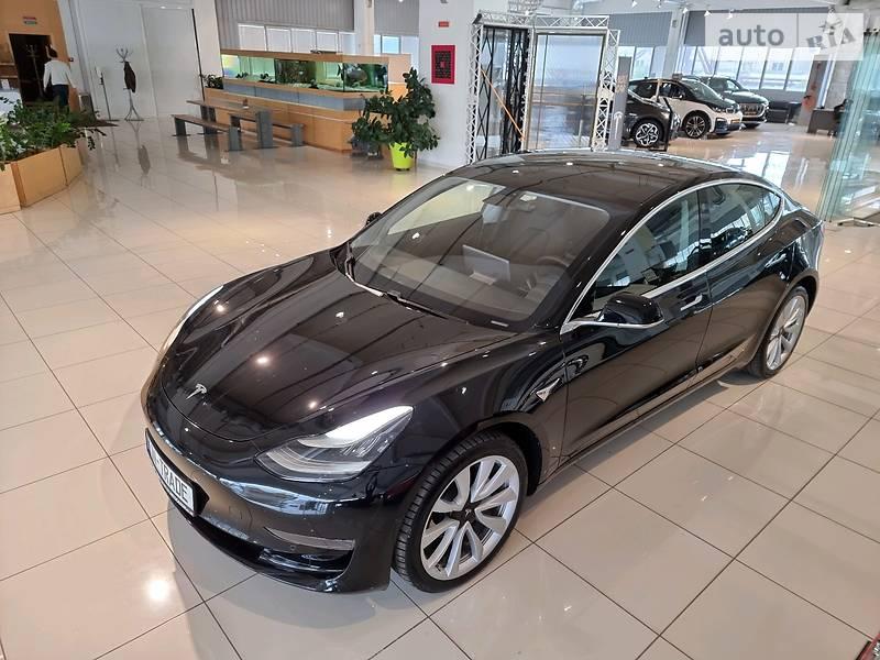 Седан Tesla Model 3 2019 в Киеве
