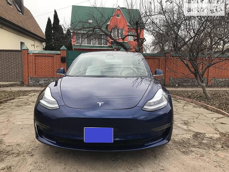 Седан Tesla Model 3 2019 в Харкові
