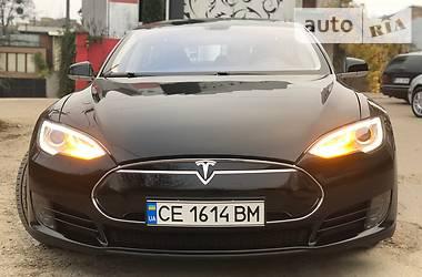 Tesla Model S 2013 в Черновцах