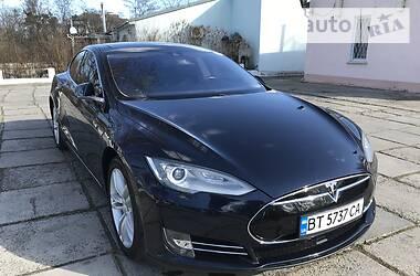 Tesla Model S 2015 в Новой Каховке