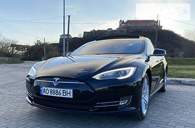 Tesla Model S 2013 в Мукачево