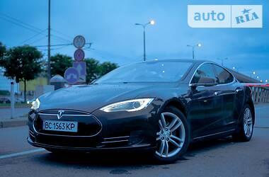 Tesla Model S 2013 в Львове