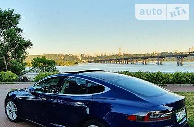 Tesla Model S 2015 в Києві