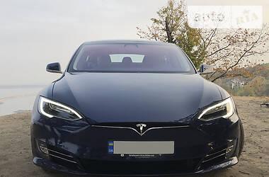 Седан Tesla Model S 2017 в Киеве