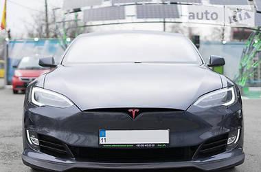 Седан Tesla Model S 2016 в Киеве