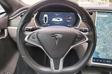 Лифтбек Tesla Model S 2015 в Киеве