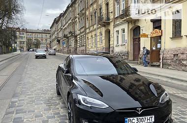 Хэтчбек Tesla Model S 2017 в Львове