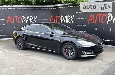 Хэтчбек Tesla Model S 2017 в Киеве