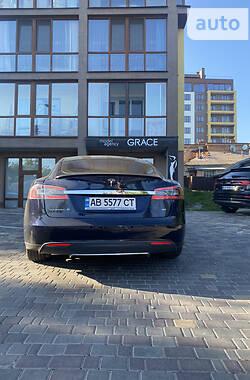 Хэтчбек Tesla Model S 2014 в Виннице