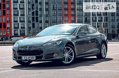 Хэтчбек Tesla Model S 2014 в Киеве