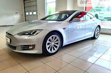Хэтчбек Tesla Model S 2018 в Днепре