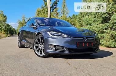 Лифтбек Tesla Model S 2019 в Киеве