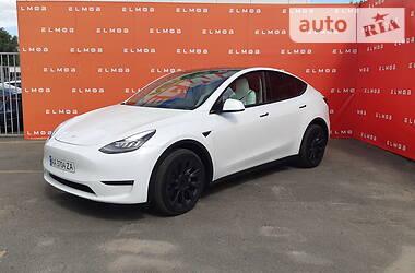 Седан Tesla Model Y 2020 в Киеве