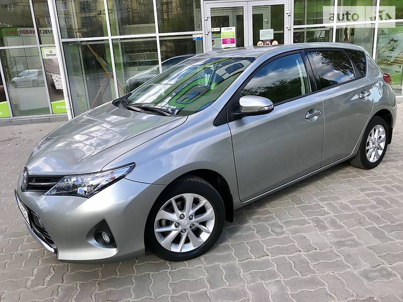 Toyota Auris 2013 в Днепре