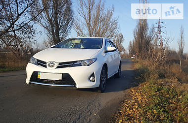 Toyota Auris 2015 в Краматорске