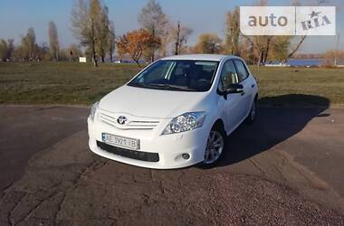 Toyota Auris 2011 в Каменском