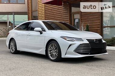 Седан Toyota Avalon 2019 в Києві