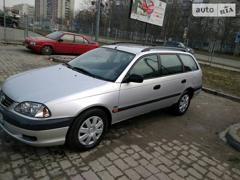 Toyota Avensis 2001 в Львові