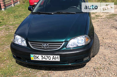 Toyota Avensis 2000 в Ровно