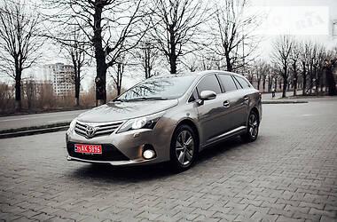 Toyota Avensis 2015 в Луцке