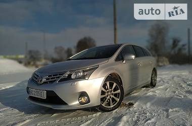 Toyota Avensis 2012 в Иваничах