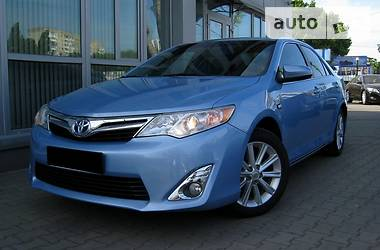 Toyota Camry 2.5 AT HIBRYD