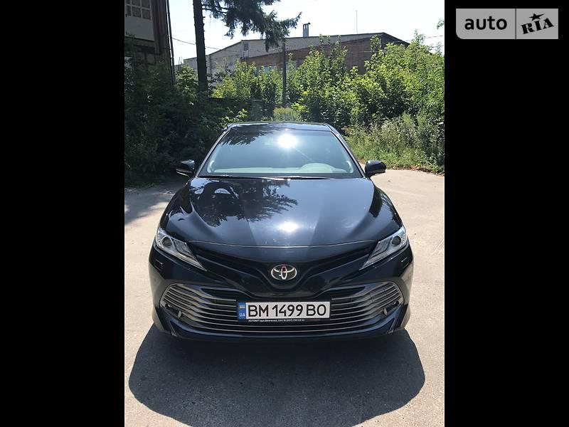 Седан Toyota Camry 2017 в Глухові