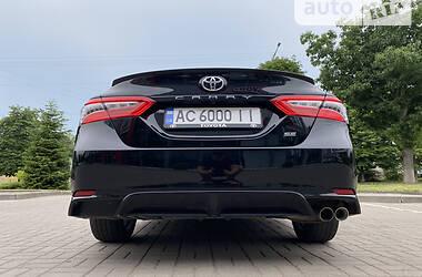 Седан Toyota Camry 2019 в Луцьку