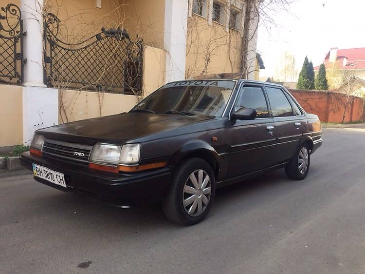 Toyota Carina 1988 года