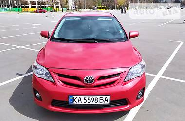 Седан Toyota Corolla 2013 в Киеве