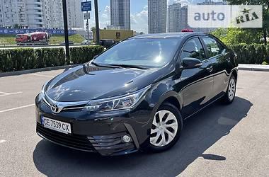 Седан Toyota Corolla 2018 в Киеве