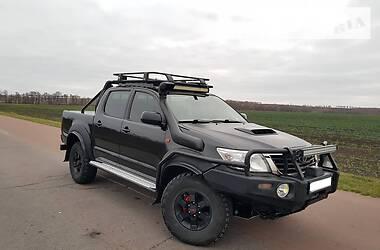 Toyota Hilux 2013 в Ромнах