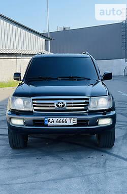 Позашляховик / Кросовер Toyota Land Cruiser 100 2006 в Києві