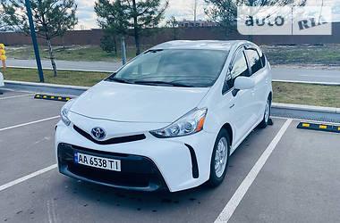 Универсал Toyota Prius v 2015 в Киеве