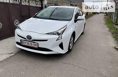 Хэтчбек Toyota Prius 2016 в Киеве