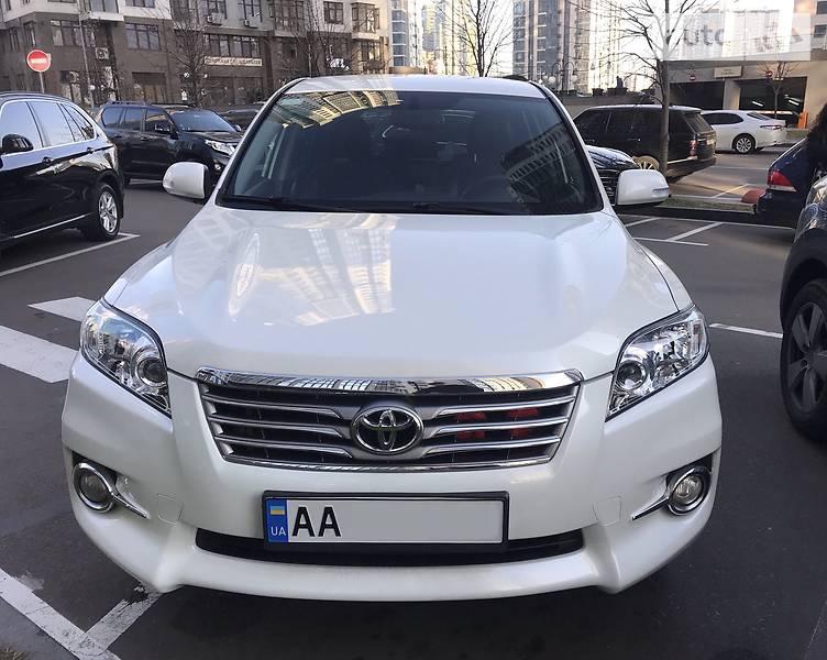 Toyota RAV4 2010 в Киеве