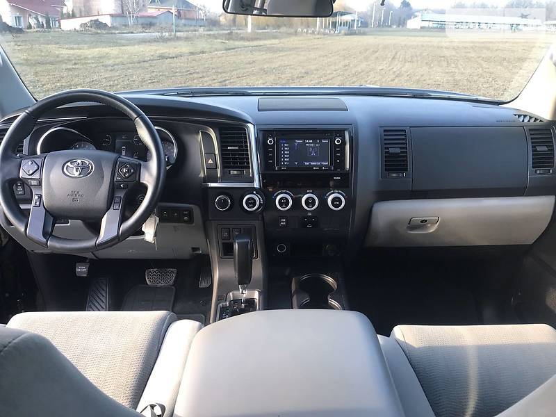 Toyota Sequoia 2018 в Киеве