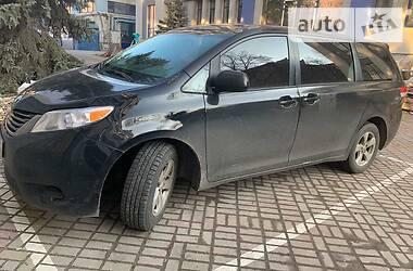 Toyota Sienna 2010 в Киеве