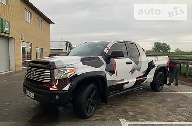 Пікап Toyota Tundra 2015 в Харкові