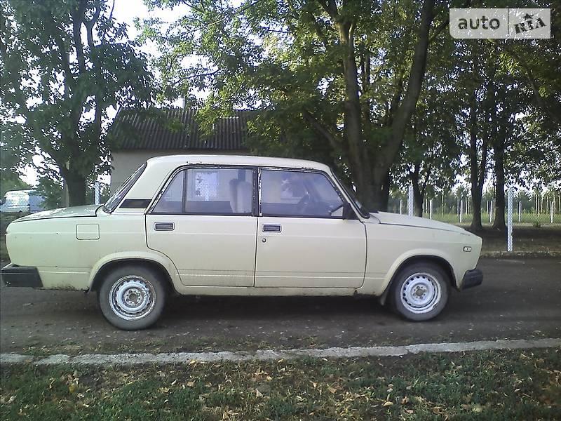 ВАЗ 2107 1986 в Хотине