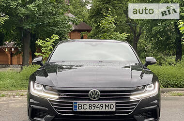 Седан Volkswagen Arteon 2018 в Львове