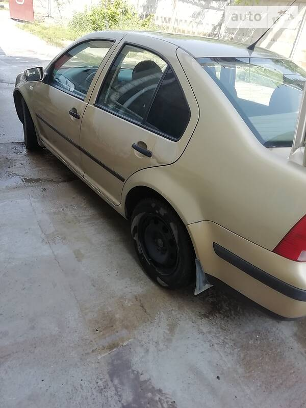 Седан Volkswagen Bora 2001 в Южноукраїнську