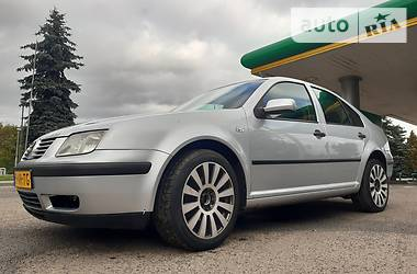 Седан Volkswagen Bora 2003 в Стрые