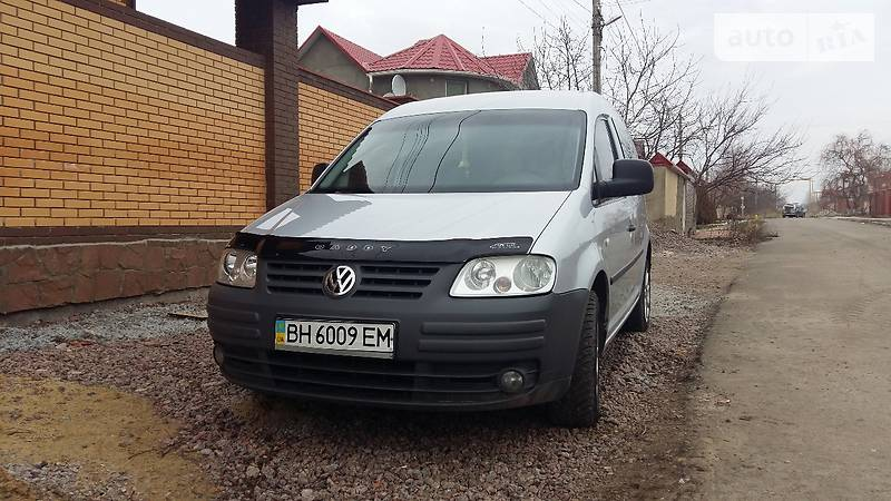 Volkswagen Caddy пасс. 2005 года в Одессе