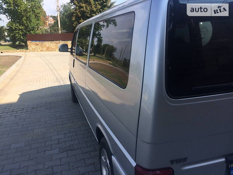 Volkswagen Caravelle 2001 в Могилев-Подольске