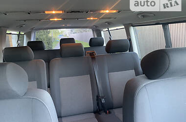 Легковой фургон (до 1,5 т) Volkswagen Caravelle 2013 в Киеве